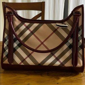 Burberry purse 3707982 nova red